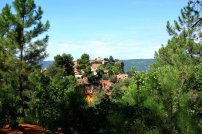 Roussillon_village