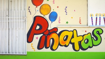 boutique pinatas