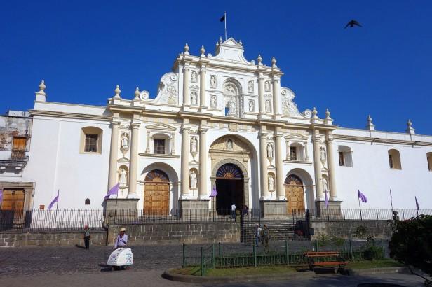 cathedrale-antigua-guatemala